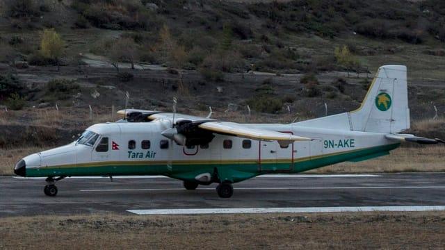 Viking 9N-AHH Twin Otter der Tara Air auf einem Rollfeld