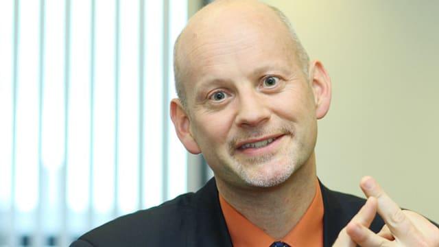Porträtaufnahme von Professor Stephan Bierling