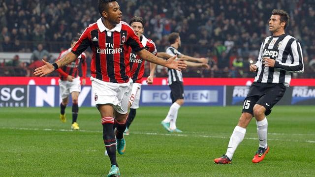 Milans Robinho feiert seinen Führungstreffer gegen Juventus.