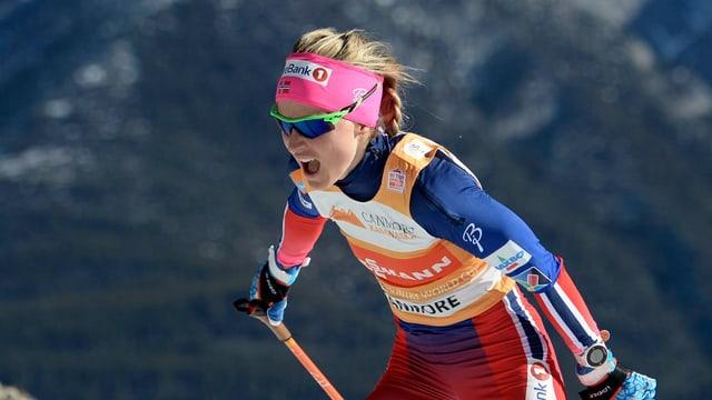 Therese Johaug zeigt der Konkurrenz zum Saisonende noch einmal den Meister.