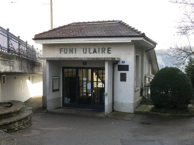 Die Oberstation, bei Funiculaire fehlt das «C».