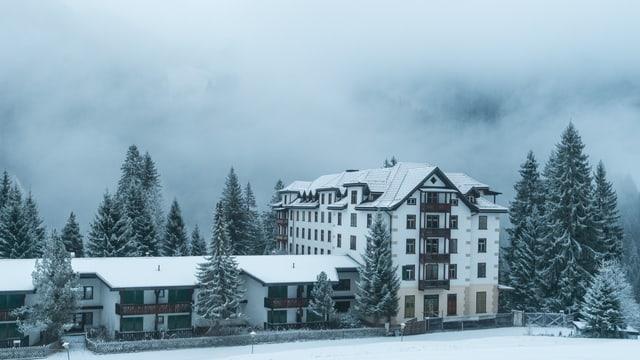 L'hotel vegl en Val Sumvitg.