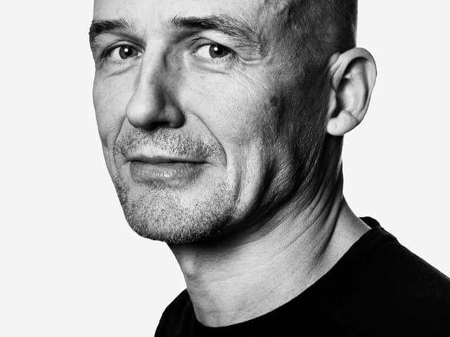 Ein Porträt von Jens Nielsen.