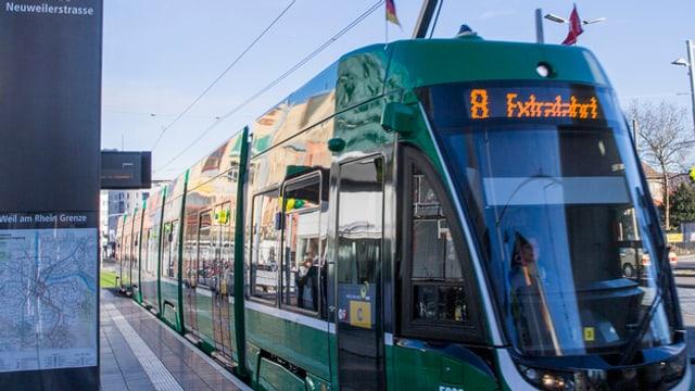 Ein neues Flexity-Tram der BVB