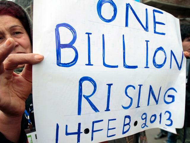Demonstrantinnen in Kabul. Weltweit beteiligten sich rund 13'000 Organisationen an der Kampagne.