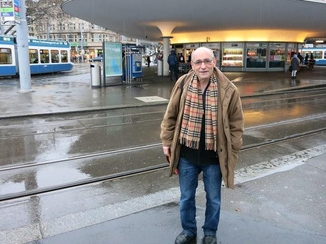 Kämpft gegen Bausünden: Retoucheur Anthony Monn