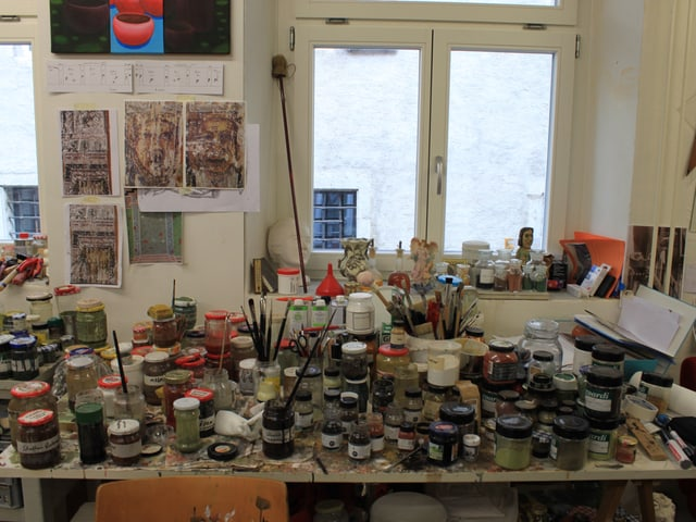 Blick auf die Farbsammlung von Brigitta Berndt