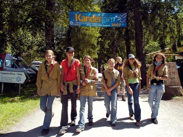 Eine Pfadigruppe im internationalen Pfadfinder-Zentrum in Kandersteg.