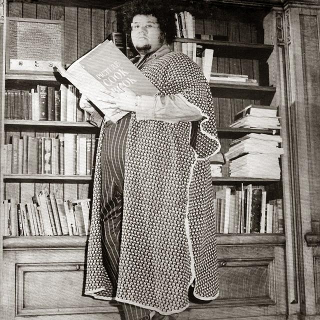 Baby Huey in seiner Bibliothek