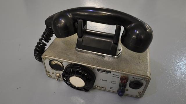 Telefon mit Wählscheibe.