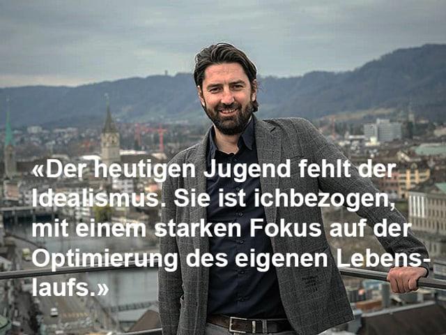 Zitat in weisser Schrift, im Hintergrund das Porträt von Ivica Petrusic vor der Stadt Zürich.