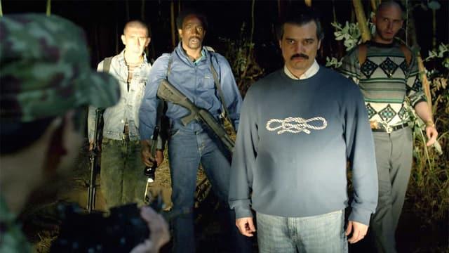 Der Drogenbaron Pablo Escobar und seine Begleiter.