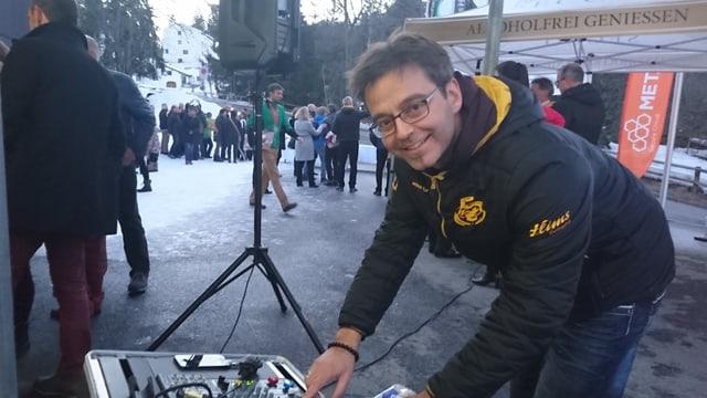 Gian Andrea Tonoli dal Club da curling Flem.
