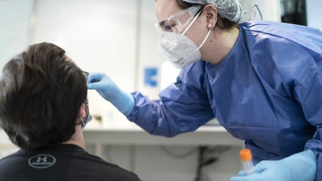 Covid-Schnelltest im Triemli-Spital in Zürich