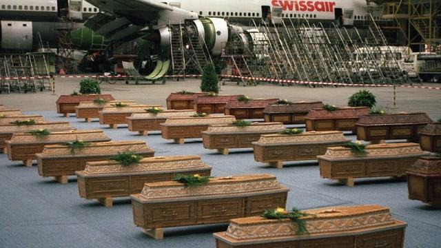 Särge in Hangar 1997.