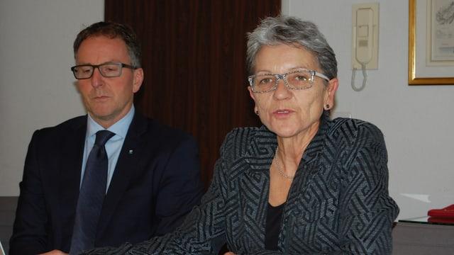 Lysser Gemeindepräsident Andreas Hegg, Gemeinderätin Margrit Junker.