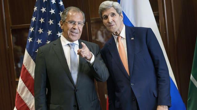 US-Aussenminister Kerry (rechts) und sein russischer Amtskollege Lawrow in Doha