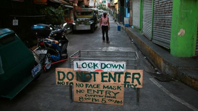 Strassensperre in Manila, 23. März