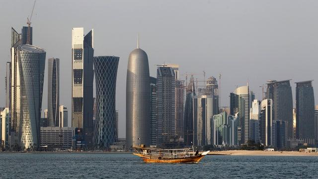 Ina vista sin chasas autas da Katar.