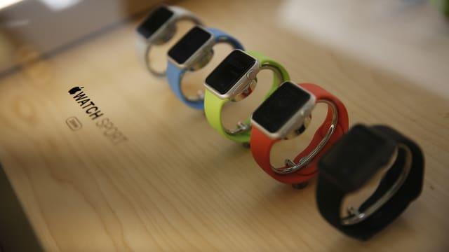 Sortiment von Apple Uhren