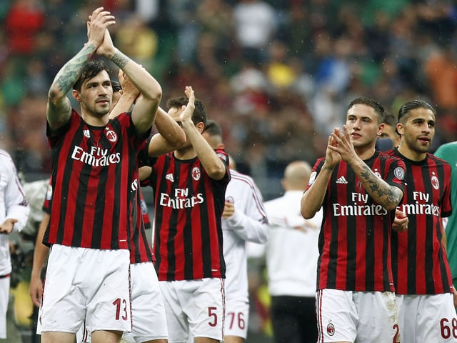 Das Team von AC Milan. Rechts Ricardo Rodriguez.