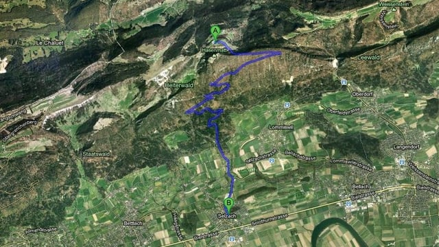 Satellitenbild mit eingezeichnetem Schulweg