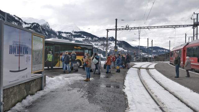 Tranter Cuira e St.Peter-Molinis curseschan bus.