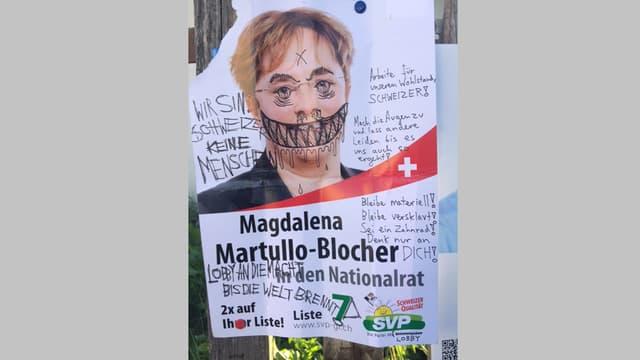 Il placat da Magdalena Martullo Blocher (PPS) cun la fatscha da la candidata malegiada ed commentaris.