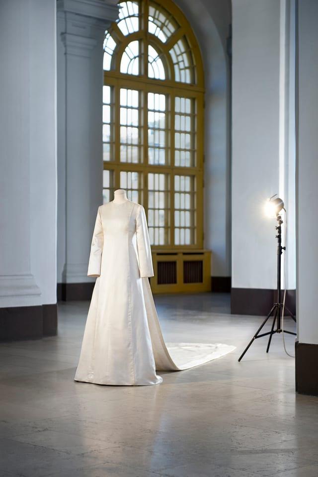Silvias Brautkleid an der Austellung
