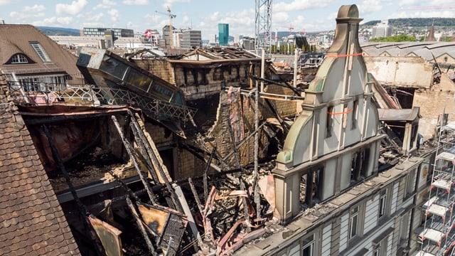 Mindestens von aussen sollen die zerstörten Gebäude wieder in alter Frische erscheinen.