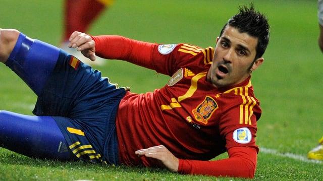Spanien (hier David Villa) hilft in Paris nur ein Sieg weiter.