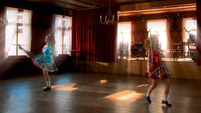 Video «Bödälä - Dance the Rhythm» abspielen