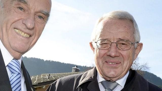 Hansruedi Merz und Arnold Koller in fröhlicher Stimmung.
