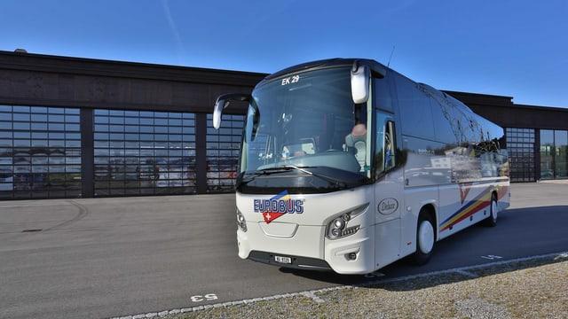 Ein Eurobus-Car.