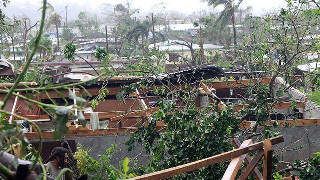 Devastaziun totala a Port Vila