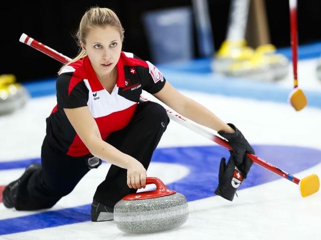 Spielt um die WM-Teilnahme: Skip Elena Stern vom CC Oberwallis.
