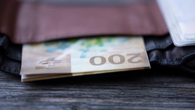 Portemonnaie mit Banknoten.