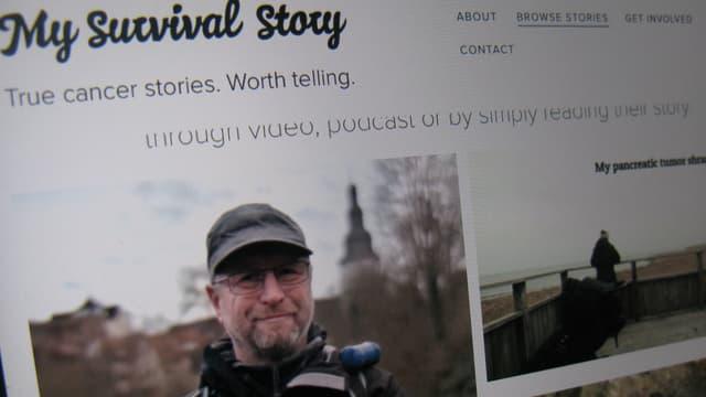 Bildschirmaufnahme, auf der «My survival Story. True cances stories. Worth telling» steht. Zudem ein Foto von einem Mann, der lächelnd in die Kamera schaut.