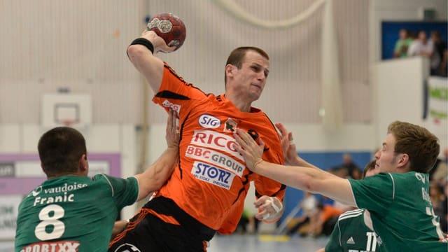 David Graubner 2012 im Dress seines alten und neuen Vereins Kadetten Schaffhausen.