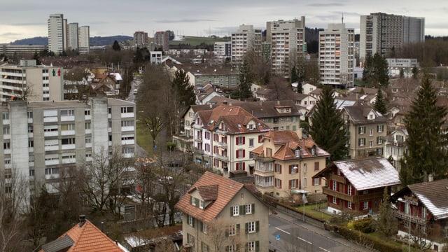 Man sieht Wohnblöcke in Bern Bethlehem und Mehrfamilienhäuser