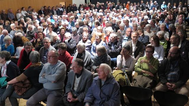 Publikum im Kursaal Heiden