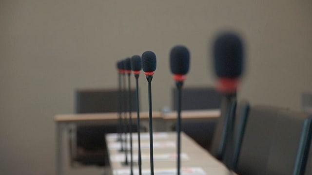 Microfons.
