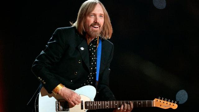 Tom Petty während seines Auftritts in der Halbzeit des Super Bowl 2008.