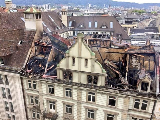 Ausgebranntes Gebäude.