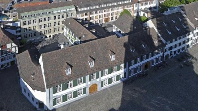 Gymnasium am Münsterplatz in Basel von oben betrachtet