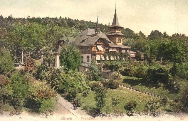Eine alte Postkarte zeigt das erste Dolder Waldhaus.