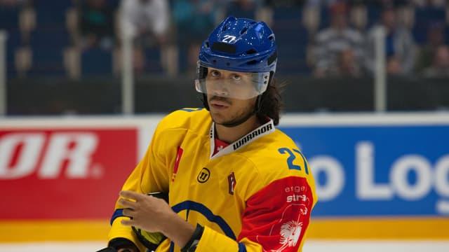 giugader da hockey dal HCD, Samuel Guerra