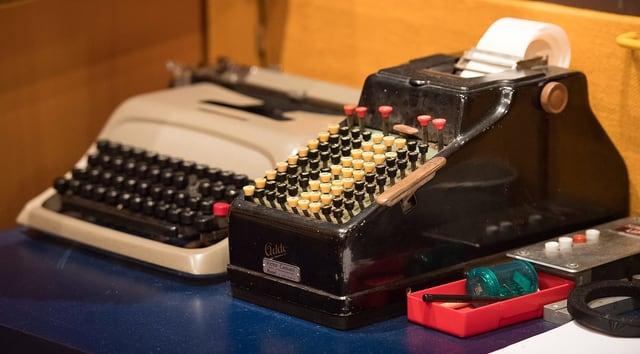 Schreibmaschinen im Hörspielstudio