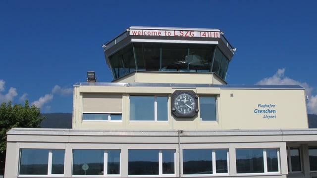 Kleiner Tower eines Flughafens.
