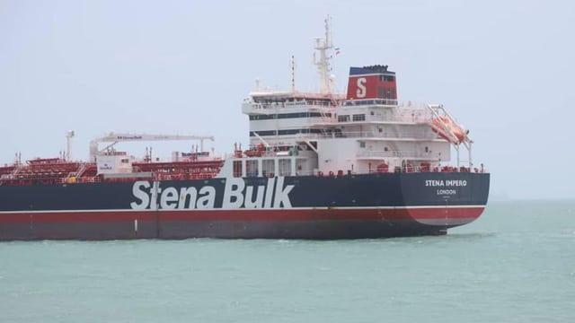 Die «Stena Impero» auf See.